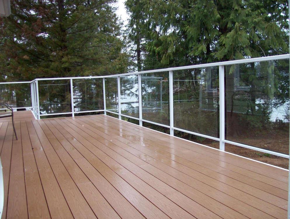 Vinyl decking castle decks aluminum products for Vinyl decking material